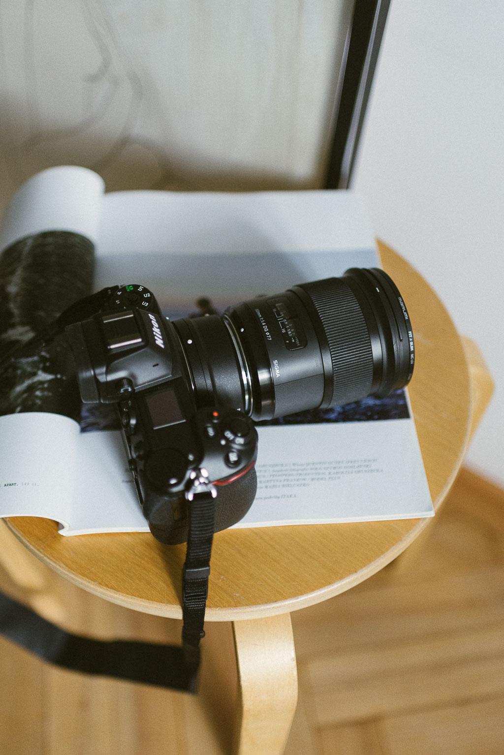 Nikon Z6 z adapterem i obiektywem Sigma Art 50 mm.